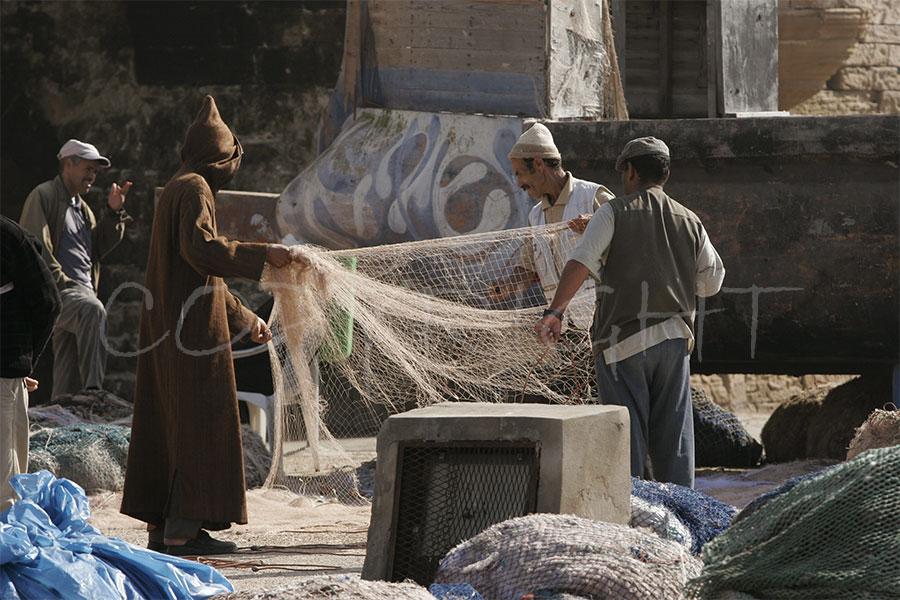 Essaouira arreglando redes